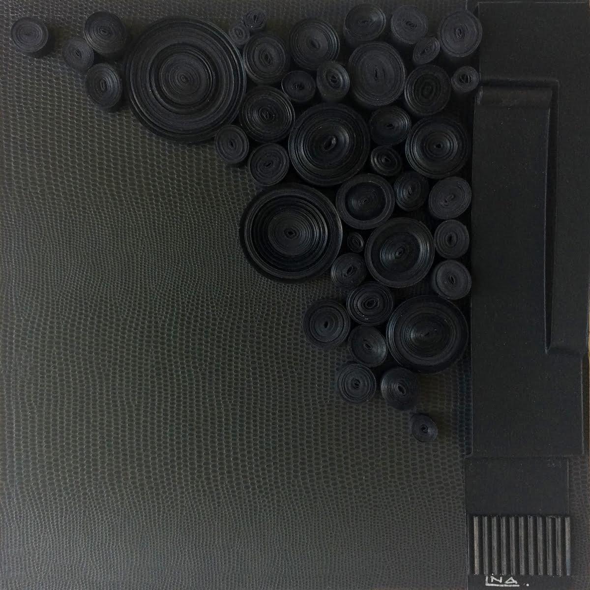 Nanou Autin, Volumes, Petit noir est une couleur, Papier roulé, acrylique 25x25cm – 2019